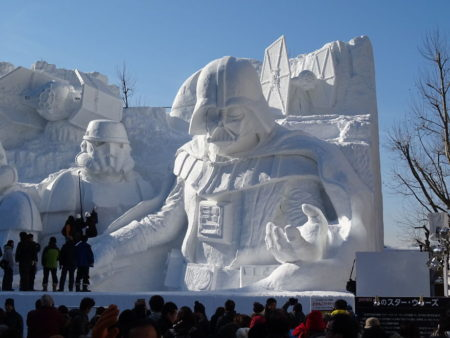 unique-festivals-around-the-world-sopporo-snow-festival-star-wars-snehove-sochy__880